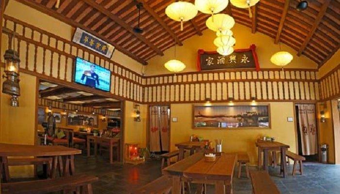 nhà hàng trong phố cổ Hội An