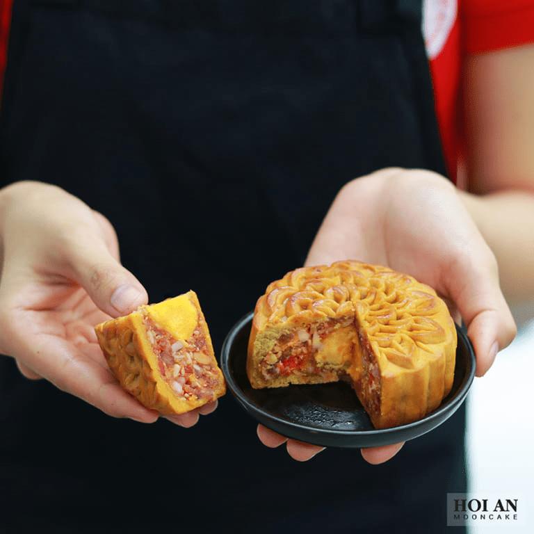 Bánh nướng cua huỳnh đế sốt HongKong